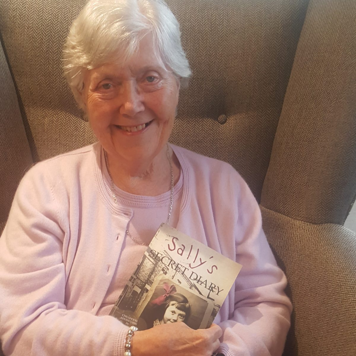 Kiwi House Resident Author Launches Book Club